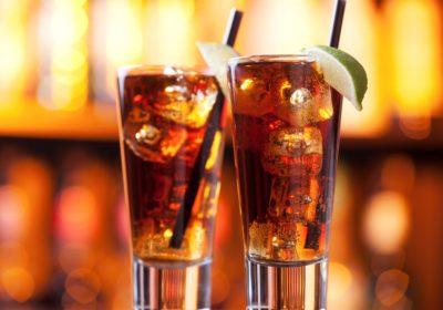 Long Island Iced Tea – сухий закон або холодний розрахунок бармена?